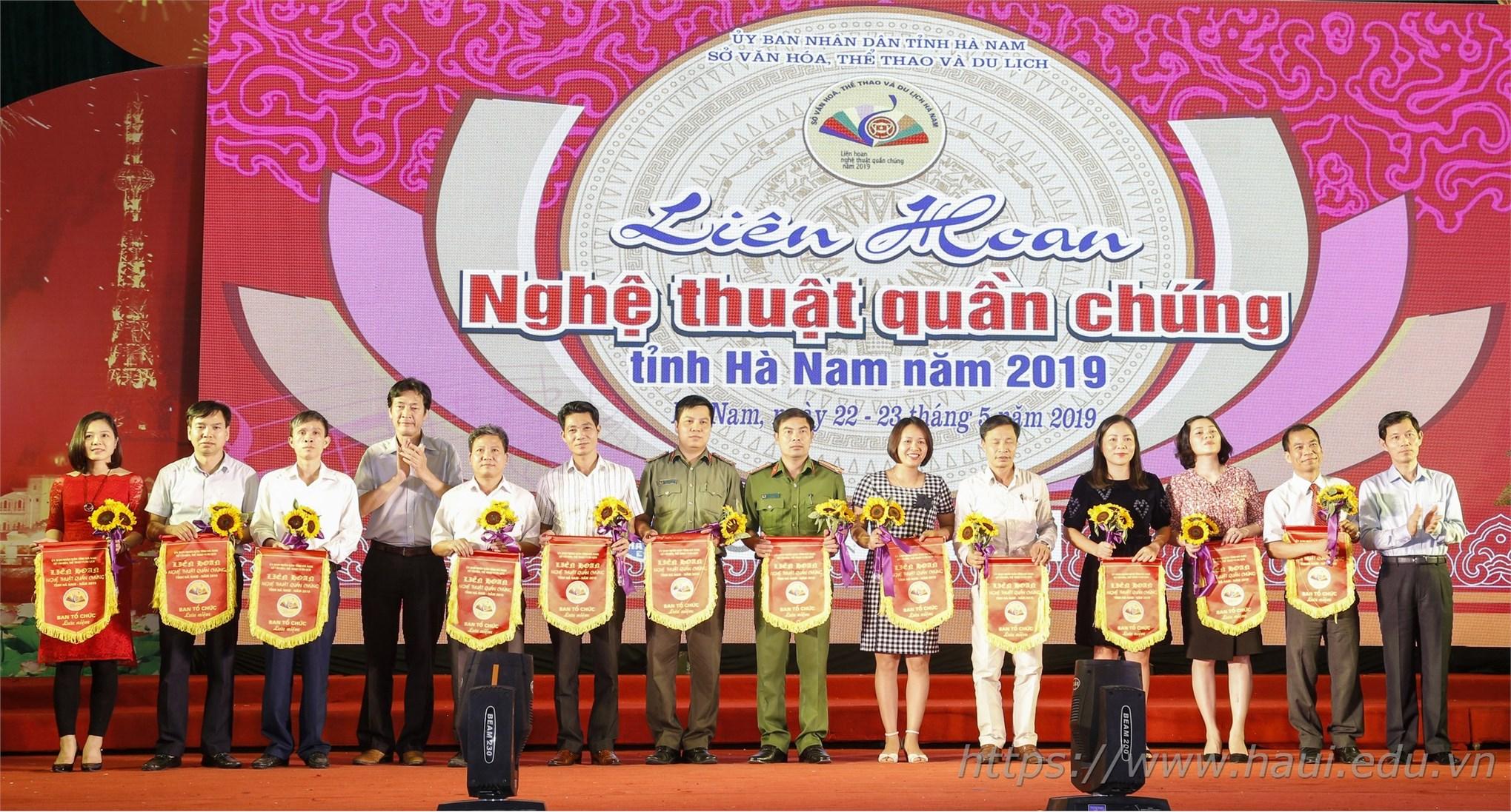 Trường Đại học Công nghiệp Hà Nội tham gia Liên hoan Nghệ thuật Quần chúng tỉnh Hà Nam năm 2019